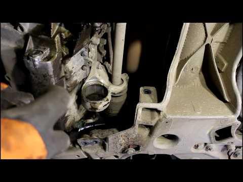 Замена картриджа нижней подушки двигателя Peugeot 407 1,8 Пежо 407 2005 года