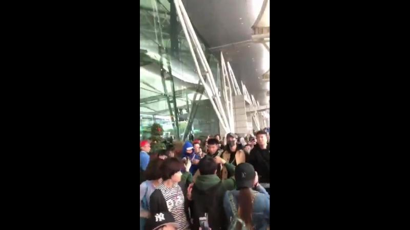 JingYu today - Guangzhou arrival cr: 黄景瑜全球最帅网投站