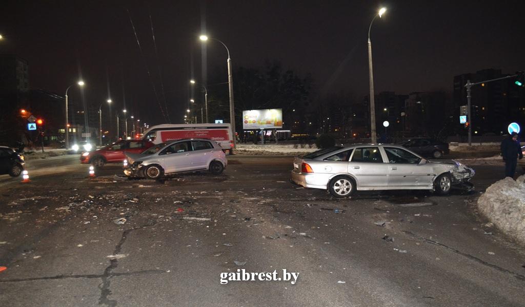 В ГАИ рассказали об обстоятельствах ДТП, которое произошло утром на Ленинградской