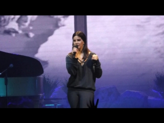 Lana Del Rey – 13 Beaches (Live @ «Mediolanum Forum» / LA To The Moon Tour)