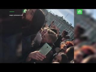 Петербуржцы приветствуют Джареда Лето