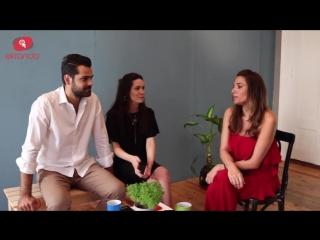 Hazal Subaşı ve Erkan Meriçle röportajın kamera arkası