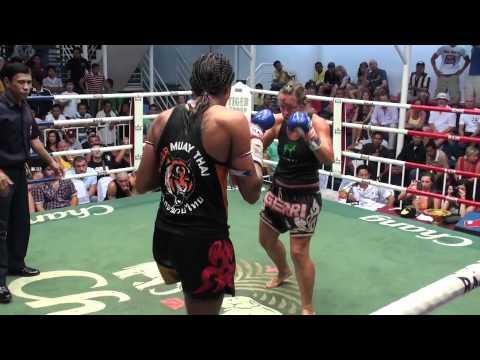 Aurore (Tiger Muay Thai) defeats veteran fighter Gerry @ Bangla Thai boxing stadium