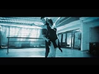 Juan Avila Feat. Pipe Calderón - Duele (Videoclip Oficial)