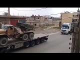 Le premier grand convoi des Forces du Tigre se dirige vers Daraa pour une offensive