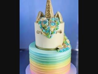 Как украсить двухъярусный торт