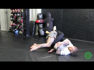 БИЕО Tapping Bigger Guys with the Kimura in MMA - No Gi
