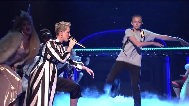 Katy Perry Swish Swish Live on SNL