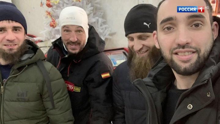 Вести.Ru: В шаге от смерти. Местные жители рассказали, как спасли испанца на трассе Колыма