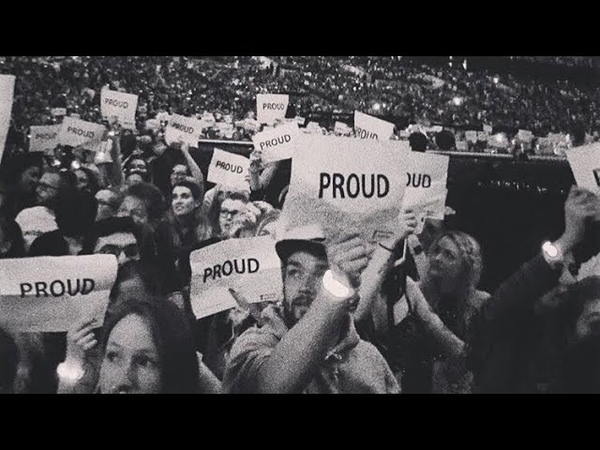 WE ARE PROUD OF YOU TAYLOR - London Crowd gave Taylor Swift a 3 minute applause with proud Signs