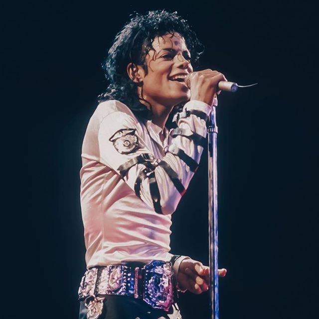Александр Киреев: С Днём рождения, Король! Спасибо, что украсил этот мир!! #MichaelJackson #mjdiamondcelebration