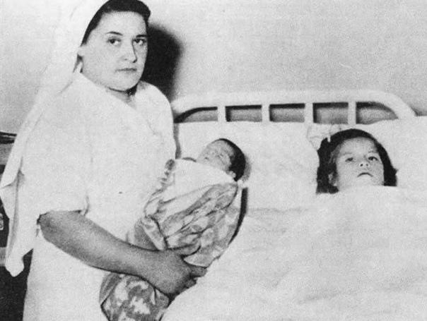 Невероятная история Лины Медины - девочки, ставшей мамой в 5 лет