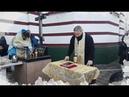 Все равно не пустим: проголосовавшая за верность УПЦ община молилась на улице