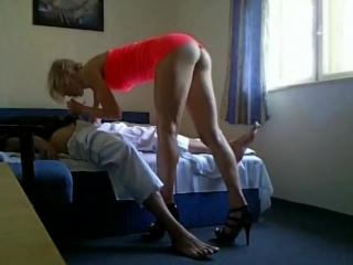 порно скрытая камера в спальне