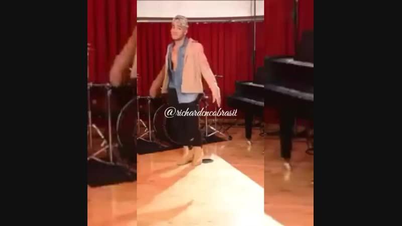 Richard Camacho dance