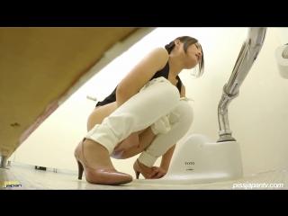 Japanese woman public masturbate. asian porn, orgasm, uncensored, public, big ass, hidden cam, voyeur, pee, toilet