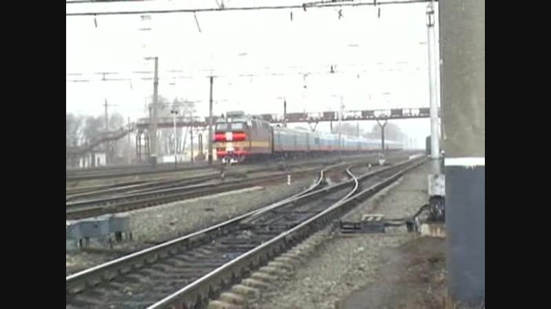 ЧС4Т с поездом Россия, ст. Яр ГЖД, 2007 г.