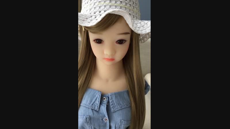 山本茉里 童顔小さい胸ロリラブドールアダルト商品