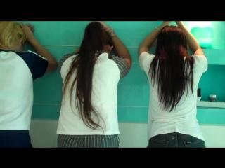 4 girls falaka