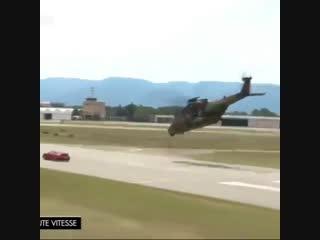 Porsche 911 против военного вертолета