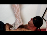 Hard trampling silver sandals and white body feet