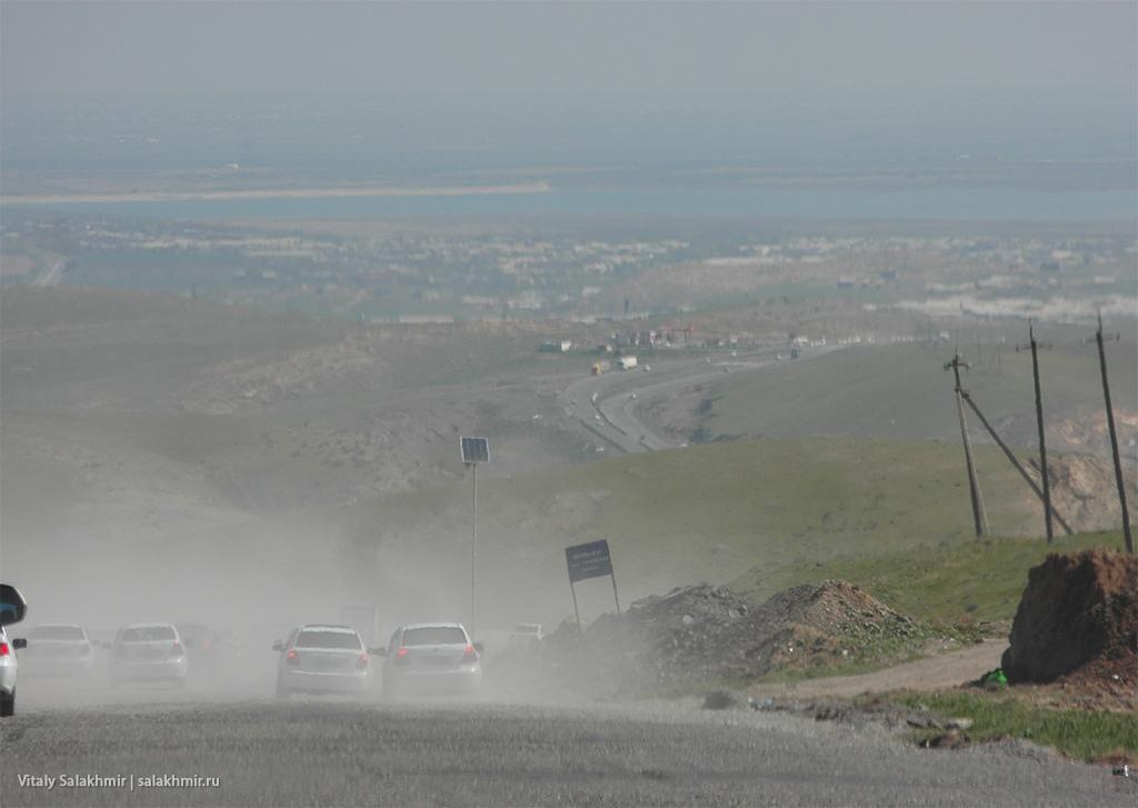 Отсутствие асфальта на маршруте из Самарканда в Ташкент 2019