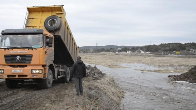 Отсыпка русла реки Минусинка во избежание подтопления домовладений