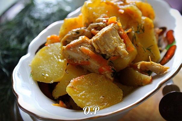 Картошка тушенная с курицей в молоке