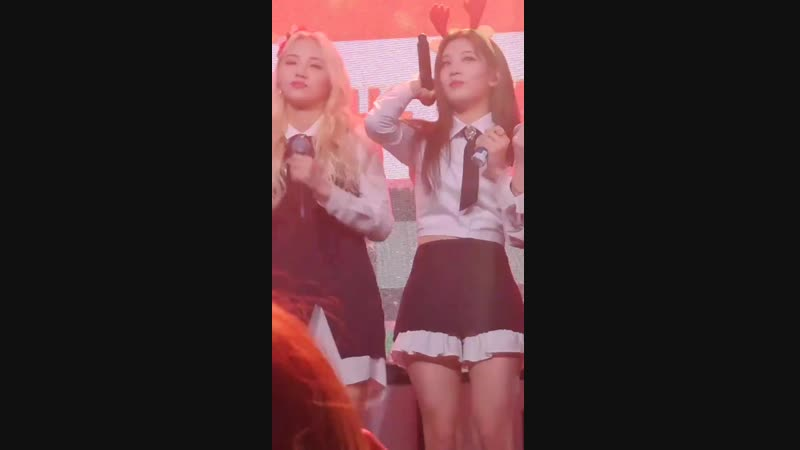 181125 Kim Lip Jinsoul The Carol @ Loona Studio