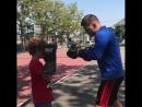 Сергей Деревянченко тренируется с сыном