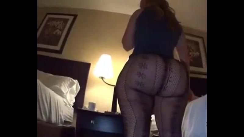Big Butt Milf Tease Nicest Ass