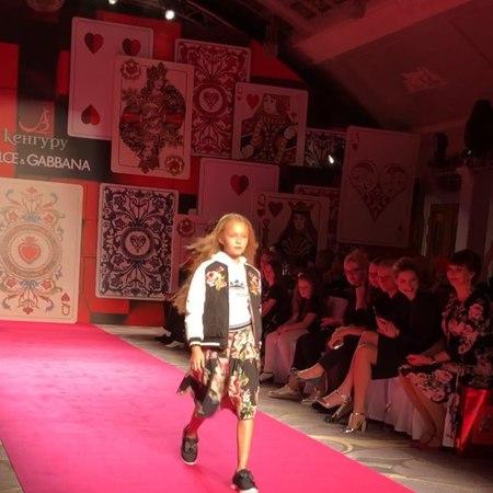 Alisa♥️Sabirova on Instagram Fashion show dolcegabbana S S18 @dolcegabbana ❤️@kenguru spb @kenguru official @igor bob @stella lakonich @belmond