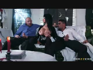 [MommyGotBoobs] Joslyn James - Hellvira Mistress Of The Fuck [Anal, Double, DP, Parody, Threesome, Halloween, MILF, Huge Tits]