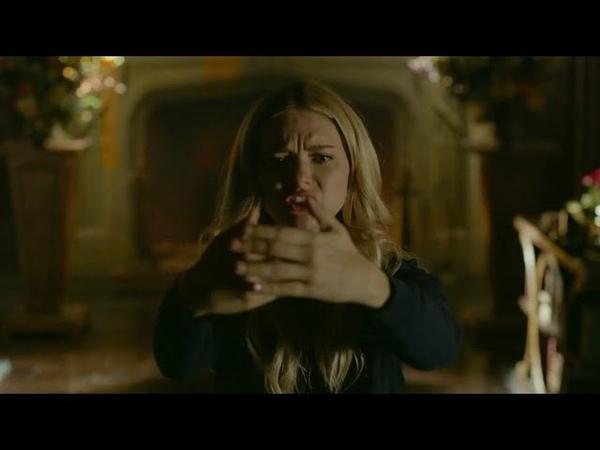 Legacies 1x03 Lizzie tries To Fight The Gargoyle