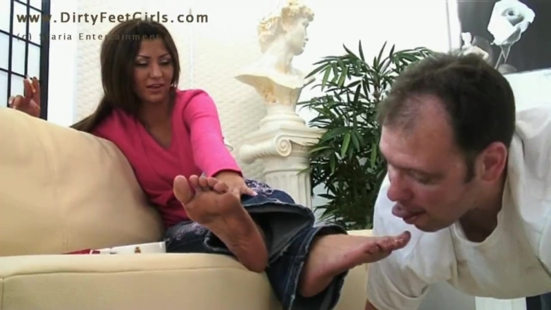 Turkish CEYLAN -dirty feet worship and licking-Dirty Feet Girls foot fetish