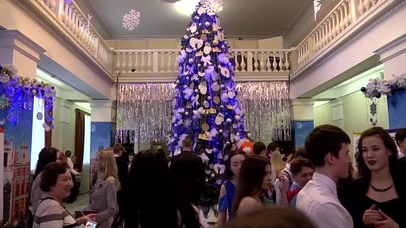 Старшеклассники Екатеринбурга зажгли «Рождественскую звезду»!