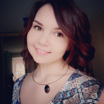 Аня Захарова