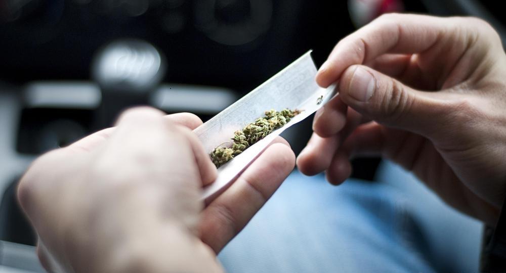 Исследования показывают, что использование медицинской марихуаны для лечения боли менее вероятно вызывает зависимость, чем от традиционных болеутоляющих.