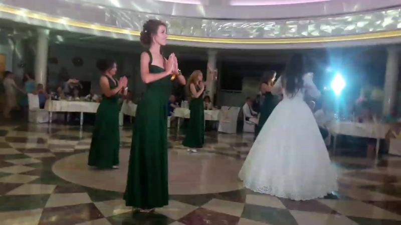 Танец невесты и подружек Свадьба Инны и Максима 29 06 2018г
