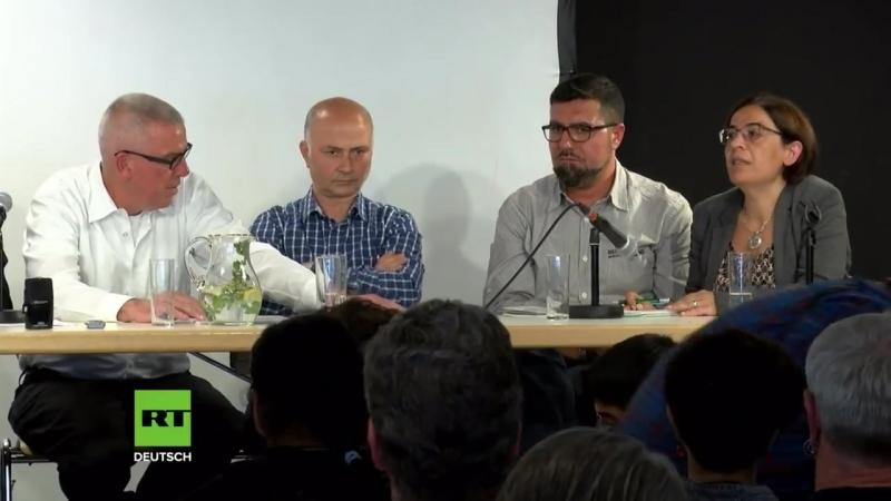 Wie nach einem Drehbuch Überlebende NSU-Opfer und Familienangehörige geben Pressekonferenz