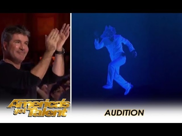 The Most AMAZING Multimedia Act Gets A Simon Cowell Standing Ovation! | Americas Got Talent 2018