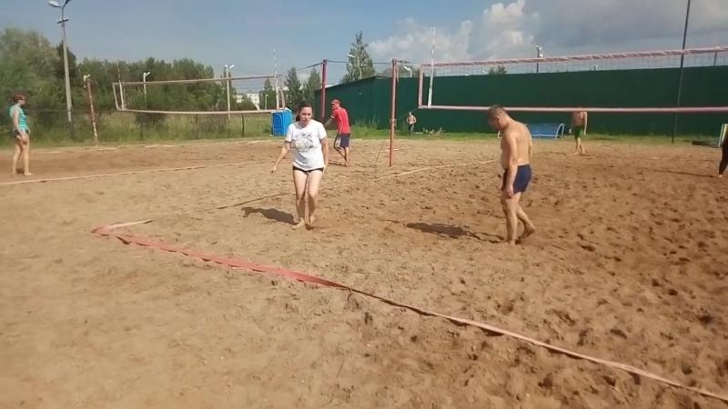 Пляжный волейбол на День физкультурника