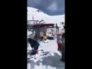 Очень страшное видео горнолыжный подъемник в Грузии вышел из строя