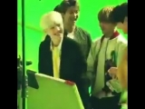 OMG Jimin.... He cant hold his hand on his man - - Yes, thats my boy - Yoonmin @BTS_twt