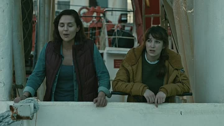 СМЕРТЬ НА ВОДЕ (2018) триллер