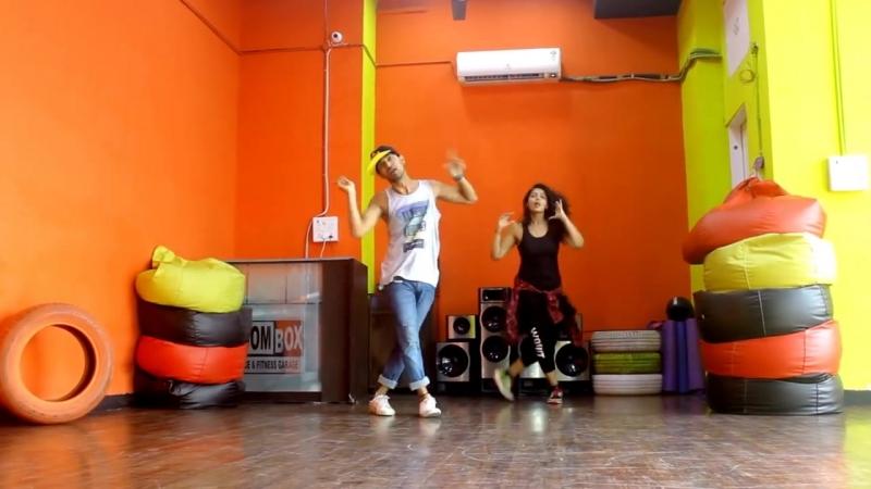 Bom Diggy Dance choreography - Zack Knight x Jasmin Walia - Vicky and Aakanksha.mp4