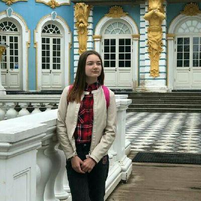 Яна Емельянова