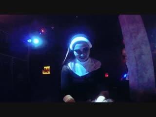 ГАРАЖ. Ночь в канун Хеллоуина