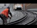Креативный череповецкий дворник воровал детали с трамвайного пути
