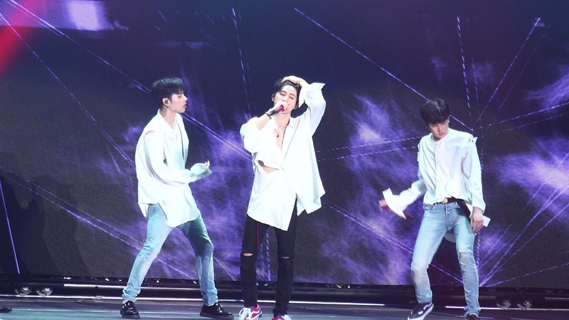 20180818 iKON CONTINUE TOUR in SEOUL KILLING ME B.I Fancam | 아이콘 컨티뉴 콘서트 죽겠다 비아이 직캠